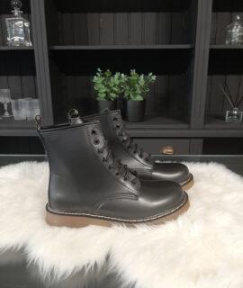 Boots Martin